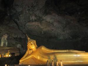 Buda en Monkey Cave Temple