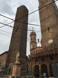 Dos torres de Bolonia