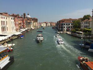 Canal grande desde el puente Degli Scalzi