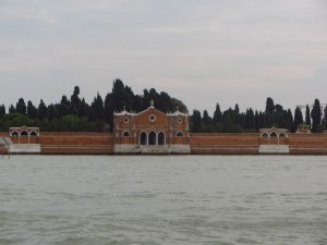 isla de San Michele de camino a Murano
