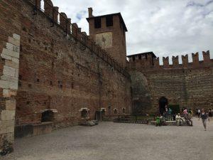 Interior del Castelvecchio de Verona