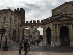 Arco del'orologio en Verona