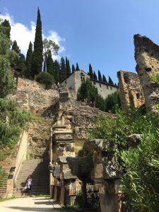 Escaleras del teatro romano de Verona
