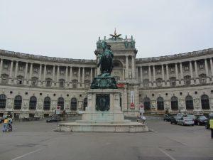 Palacio Imperial de Hofburg estatua de Viena