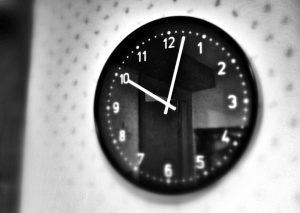 reloj roomhunter scape room