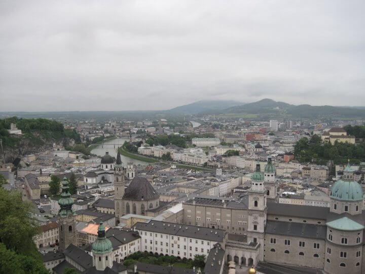 Vistas de salzburgo - viajando con el ultimo bus