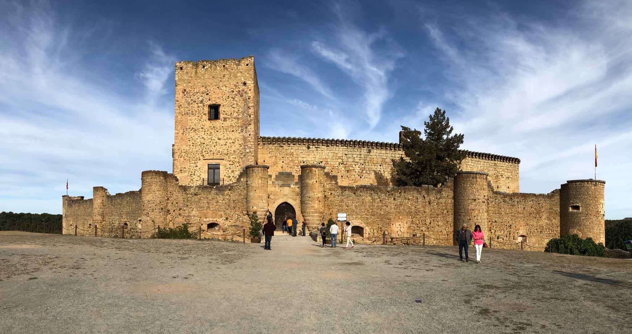 Castillo de Pedraza-Viajando con el último bus