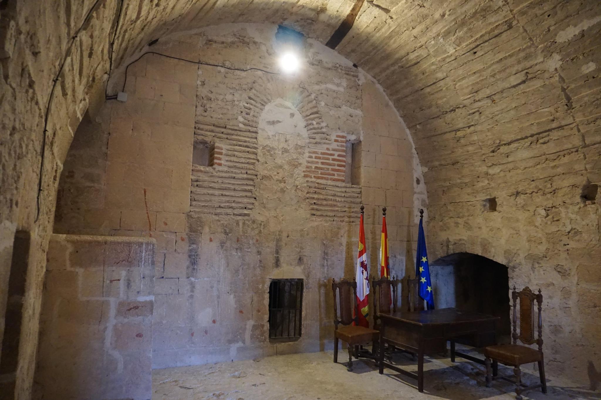 Castillo salón turégano