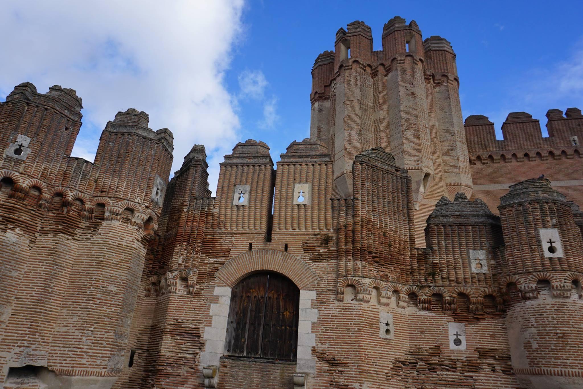 Castillo de Coca murallas
