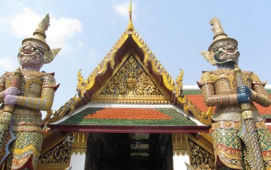 Visitas imprescindibles en Bangkok durante un día