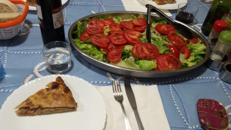 Cena en albergue